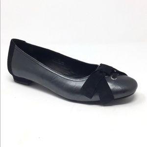 EUC Born Black & Grey Pewter Ballet Flats with Bow